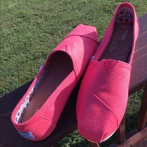 Toms Canvas Shoes NEW